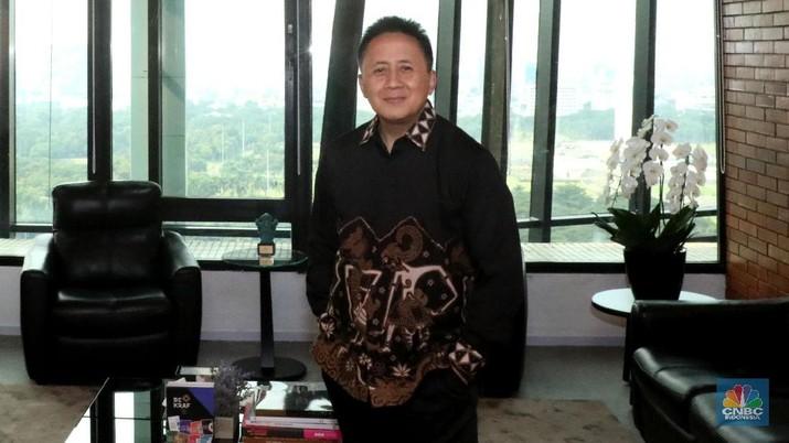 Mantan Kepala Bekraf Triawan Munaf kini punya posisi baru sebagai Venture Advisor dari East Ventures, investor Gojek, Tokopedia dan Traveloka.