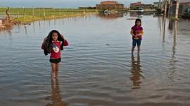 FOTO: Porak Poranda Selatan Iran Diterjang Banjir