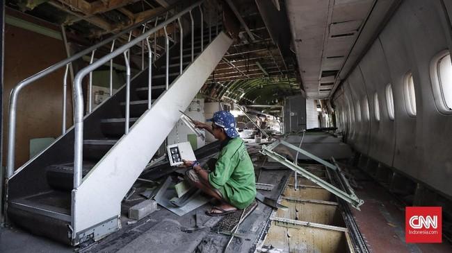 Pesawat bekas 747-400 ini terdiri dari dua lantai dan seluruhnya dirombak, dijadikan tempat makan yang memanjakan pengunjung nantinya. (CNN Indonesia/Safir Makki)