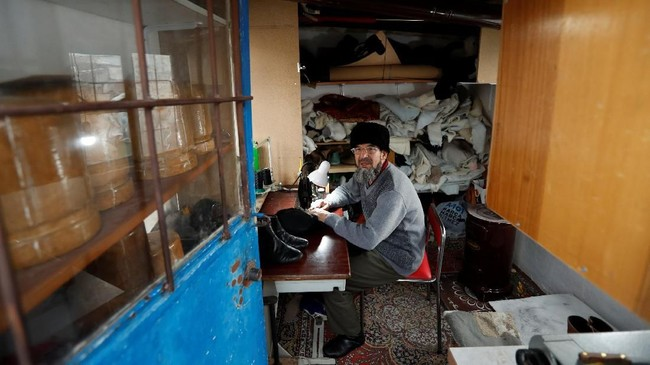 Ada sekitar 35 ribu etnis Uighur yang bermukim di Turki. Negara itu menjadi salah satu tujuan warga Uighur yang mencari perlindungan sejak 1960-an. (REUTERS/Murad Sezer)