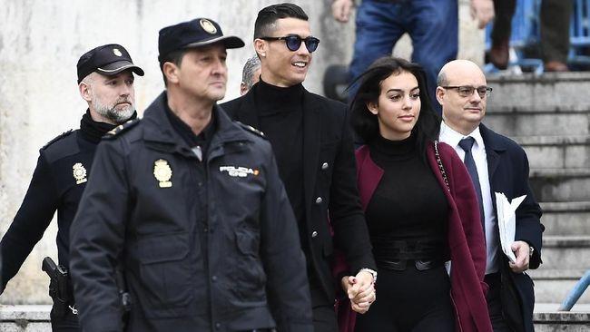 Georgina Dikabarkan Mengandung Anak Kelima Ronaldo