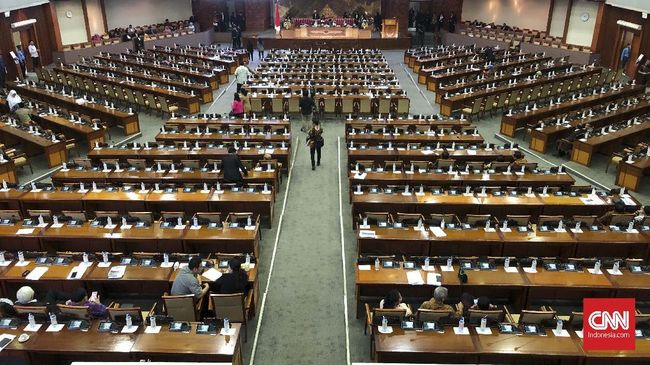 DPR Dijadwalkan Sahkan Lima Pimpinan KPK