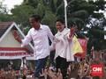 Sidang di MK Dimulai, Jokowi Belanja Salak di Bali