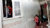 Hubungan antara pemerintah Turki dan China yang semakin erat justru membuat resah warga Uighur yang menetap di sana. Mereka khawatir lobi tingkat tinggi bisa membuat mereka dideportasi kapan saja. (REUTERS/Murad Sezer)