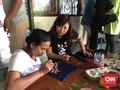 Lepas dari Tunakarya, Ibu Berdaya dengan Barang Bekas