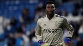Ajax Amsterdam dikabarkan Mundo Deportivo akan mencegah kepergian Andre Onana ke Barcelona. Ajax merekrut Onana dari La Masia pada 2015. (REUTERS/Susana Vera)