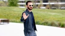 Chris Evans Beri Isyarat Pensiun Jadi 'Captain America'