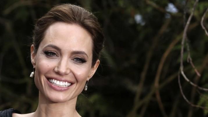 Angelina Jolie disebut akan masuk barisan jagoan Marvel, susul Brie Larson dan Scarlett Johannson. Benarkah?
