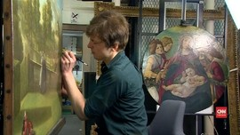 VIDEO: Pemugar Bongkar Misteri Lukisan Botticelli