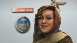 Perempuan Pertama Pemenang Afghan Star Janji 'Lawan' Taliban