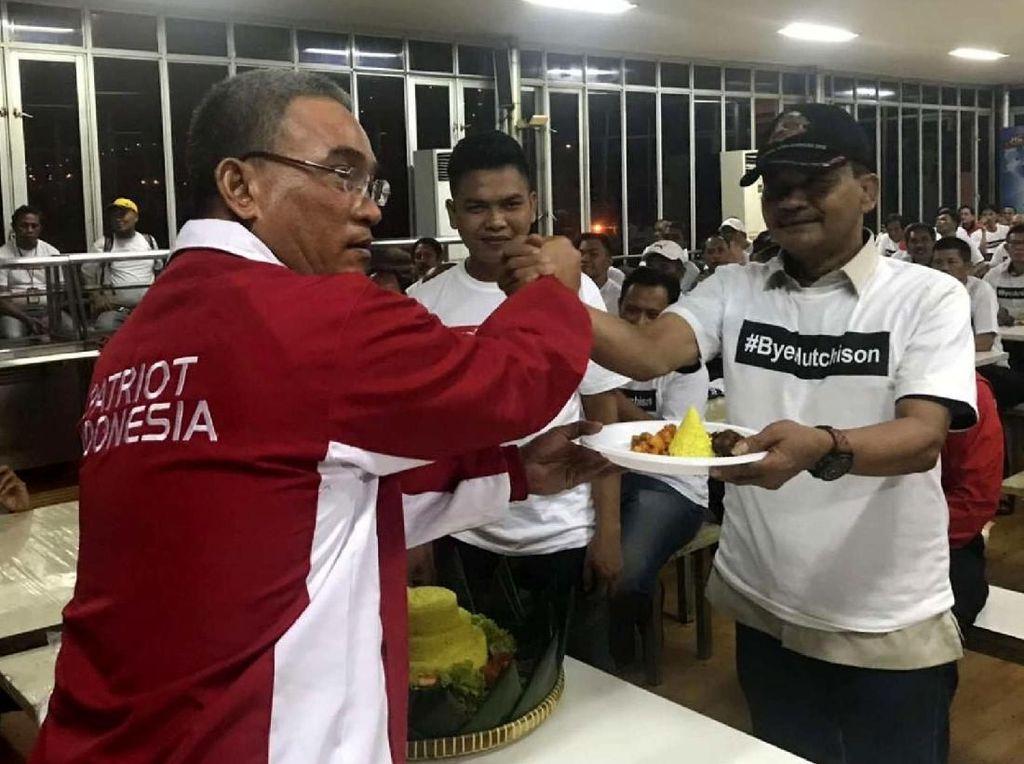 Dalam aksinya SP JICT menyerukan kepada pemerintah dan Pelindo II untuk bersungguh-sungguh menyikapi dan membatalkan perpanjangan kontrak Hutchison di JICT. Foto: dok. SP JICT