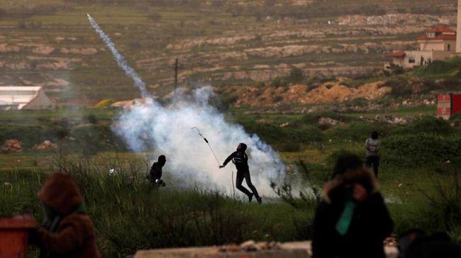 Israel Balas Roket dari Gaza dengan Serangan Udara