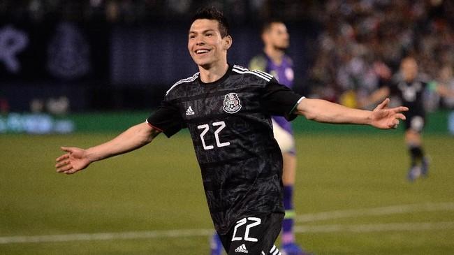 Penyerang timnas Meksiko yang saat ini memperkuat PSV Eindhoven dikabarkan Manchester Evening News ingin memperkuat Manchester United musim depan. (REUTERS/Orlando Ramirez-USA TODAY Sports)