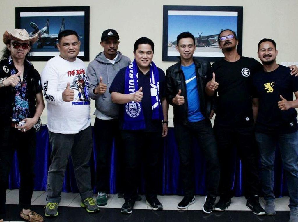Erick yang sukses sebagai Ketua Penyelenggara Asian Games 2018 ini juga mengucapkan terima kasih kepada seluruh bobotoh yang hadir memberikan dukungan penuh kepada pasangan Capres Jokowi-Maruf. Foto: dok. Bobotoh