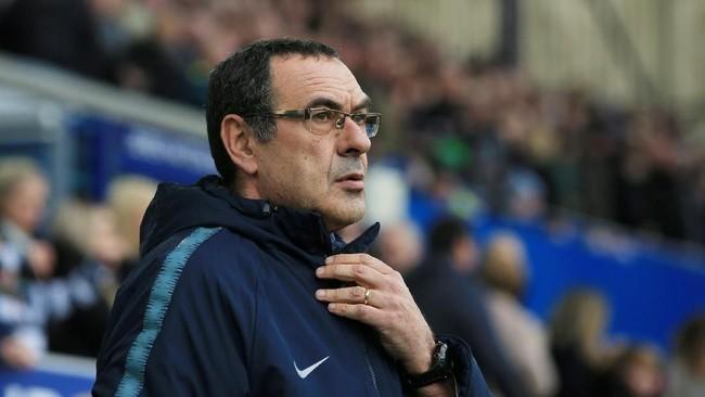 Tidak terlampau sukses di Chelsea, Maurizio Sarri disebut Sunday Express menjadi incaran AS Roma. (REUTERS/Jon Super)