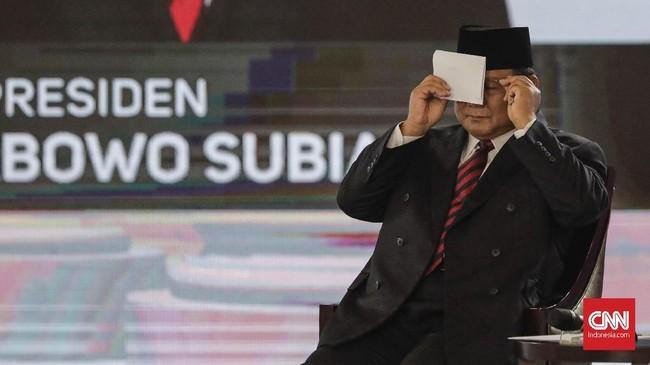 Capres nomor urut 02 Prabowo Subianto mengkritik anggaran pertahanan RI yang masih minim, saat mengikuti debat capres putaran keempat di Hotel Shangri La, Jakarta, Sabtu, 30 Maret 2019. CNNIndonesia/Adhi Wicaksono.