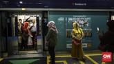 Gubernur DKI Jakarta, Anies Baswedan telah mengumumkan tarif MRT Rp10.000 per 10 kilometer. (CNN Indonesia/Hesti Rika)