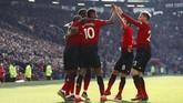 Rashford merayakan gol bersama rekan-rekannya. Musim ini pemain 21 tahun itu mencetak 10 gol di Liga Primer Inggris. (Action Images via Reuters/Jason Cairnduff)