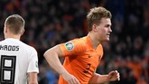 Talksport menyatakan Bek muda Belanda Matthijs de Ligt berpeluang bergabung ke Juventus. (REUTERS/Piroschka Van De Wouw)