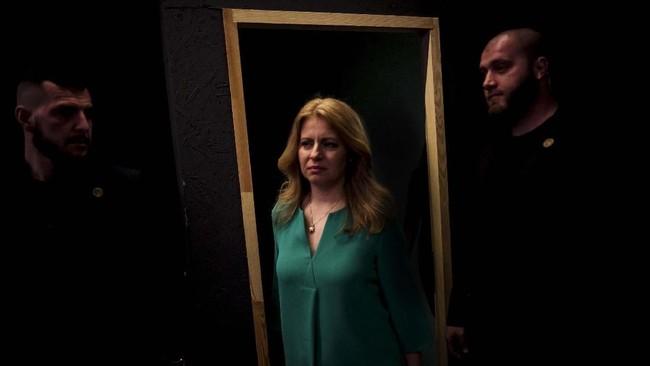 Caputova menganggap pemilu kali ini adalah pertarungan antara baik dan jahat. (AFP Photo/Vladimir Simicek)
