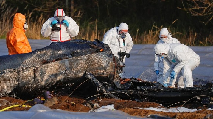Penampakan Puing Pesawat yang Menewaskan Wanita Terkaya Rusia