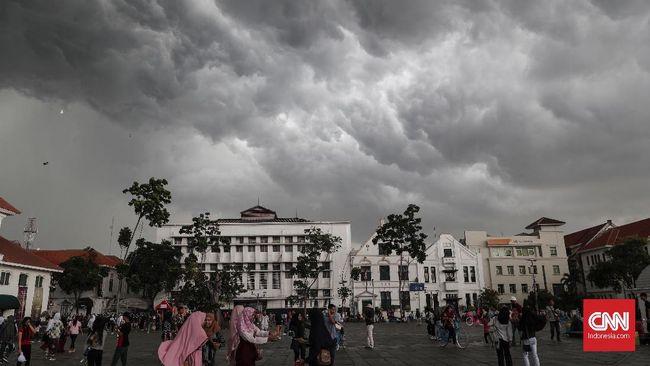Hujan Lebat dan Angin Kencang Berpotensi Landa Jabodetabek
