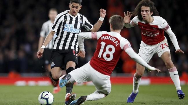 Arsenal menjalani laga ke-31 di Liga Inggris musim ini dengan menjamu Newcastle United yang sedang berupaya menjauh dari zona degradasi. (REUTERS/David Klein)
