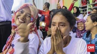 Setia Empat Jam Menunggu Jokowi di Ngawi