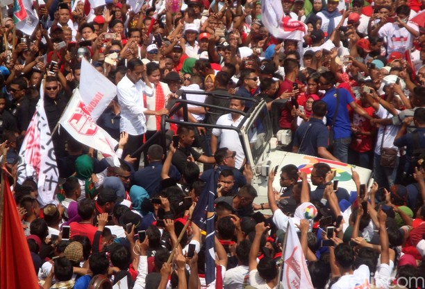 Ribuan Pendukung Hadiri Kampanye Jokowi di Banyumas
