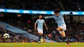 Winger Manchester City, Leroy Sane, akan diandalkan Pep Guardiola di lini depan bersama Sergio Aguero dan Raheem Sterling. (REUTERS/Phil Noble)