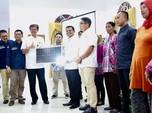 Giliran Sumedang Dapat Ribuan Lampu Surya Hemat Energi