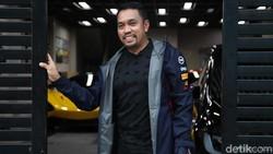 Crazy Rich Priok: Beli Mobil Mewah Berani Pakai Nama Sendiri