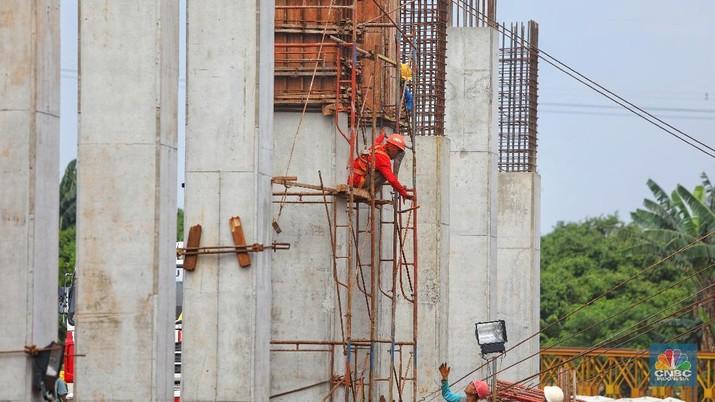 Proyek Tol Desari sempat mengalami dua insiden ambruknya konstruksi.