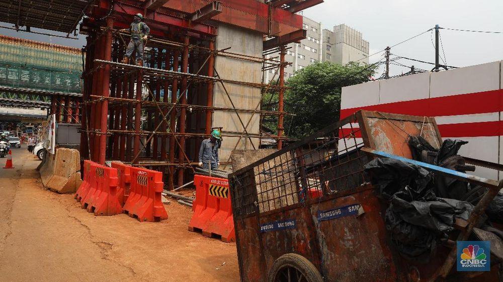 Anies menyebut proyek  LRT sebagai salah satu penyebab banjirnya Jakarta, kemarin lusa. Begini progres proyek tersebut.