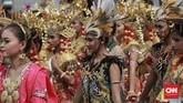 Karnaval kampanyeJokowi-Ma'ruf Amin disambut meriah oleh warga Kota Tangerang. (CNN Indonesia/Andry Novelino).