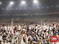 Prabowo-Sandi dan Anies Sapa Relawan dari Atas Panggung