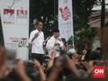 Jokowi Pakai Sapu Alumni PL Bersihkan Hoaks hingga Korupsi