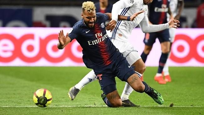 PSG akhirnya tertinggal 1-2 di babak pertama setelah Anthony Goncalves mencetak gol di menit ke-38.(Photo by Anne-Christine POUJOULAT / AFP)
