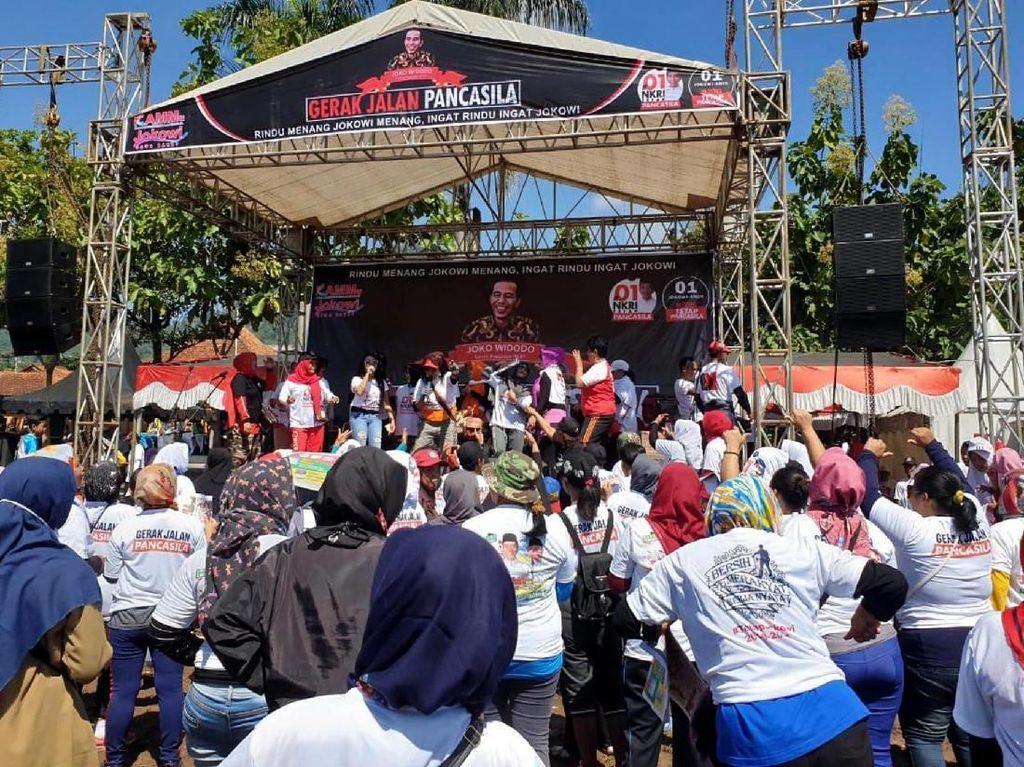 Acara digelar pada Minggu (7/4/2019) pagi dengan Gerak Jalan yang dihadiri langsung oleh Ketua KAMMu Jokowi Ibadi Rahman & Ketua Tim Alpha Rieke Diah Pitaloka. Foto: dok. Tim Alpha