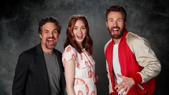 Lepas Topeng & Jubah, Ini Serunya Gaya Para Jagoan Avengers