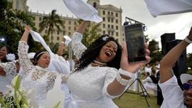 FOTO: Makan Malam Serba Putih Pertama di Kuba