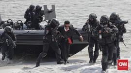 Satgultor TNI Tumpas Teroris, Bebaskan Pejabat dalam 15 Menit