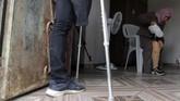 Dengan dana dari Uni Eropa, WHO akhirnya membantu Palestina mendirikan unit rekonstruksi kaki di Rumah Sakit Nasser di selatan Gaza. (Reuters/Mohammed Salem)