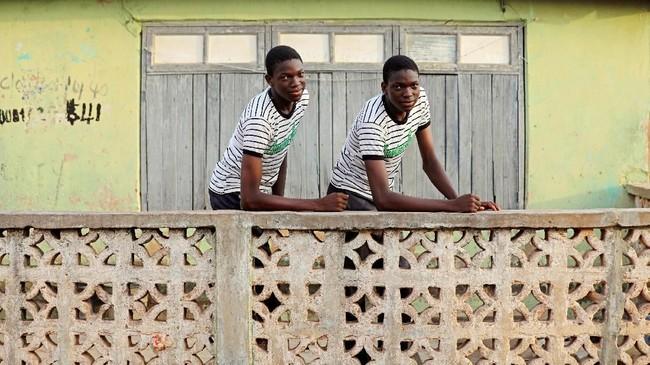Dalam budaya Yoruba, setiap anak kembar yang lahir punya nama tersendiri. Nama itu adalah Taiwo dan Kehinde, tergantung pada apakah mereka dilahirkan pertama atau kedua. (REUTERS/Afolabi Sotunde)