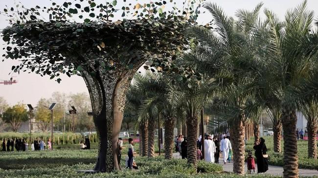 Pohon-pohon anggur, buah ara, delima, dan zaitun tumbuh di taman seluas 64 hektare ini.Saat melewati area pepohonan, pengunjung bisa sekaligus belajar fungsi tanaman tersebut, yang diceritakan dalam Alquran digunakan untuk keperluan medis dan ilmiah.