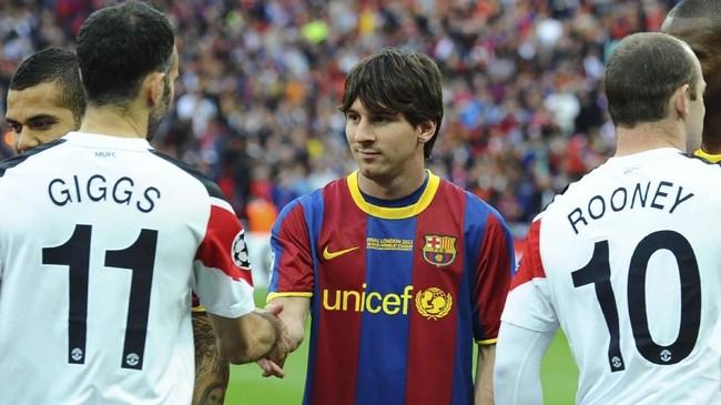 Momen kedua Lionel Messi menghancurkan Manchester United terjadi pada 28 Mei 2011 ketika Barcelona kembali lolos ke final Liga Champions di Stadion Wembley. (AFP PHOTO / LLUIS GENE)