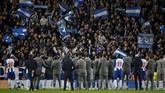 FC Porto harus menang dengan selisih tiga gol saat mereka ganti menjamu Liverpool pekan depan. (REUTERS/Phil Noble)