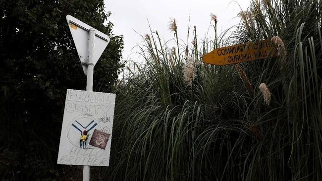 Akan tetapi aparat keamanan Selandia Baru tetap siaga dan menyatakan ancaman teror masih tinggi. (REUTERS/Edgar Su)