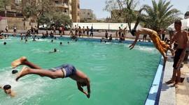 Wanita Boleh Bertelanjang Dada Saat Berenang di Barcelona