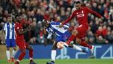 FC Porto juga tak berdiam diri. Mereka menghasilkan tujuh tembakan di laga ini namun tidak ada satu pun yang berujung gol. (Reuters/Carl Recine)